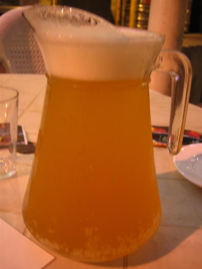 还有青岛扎啤.喝2