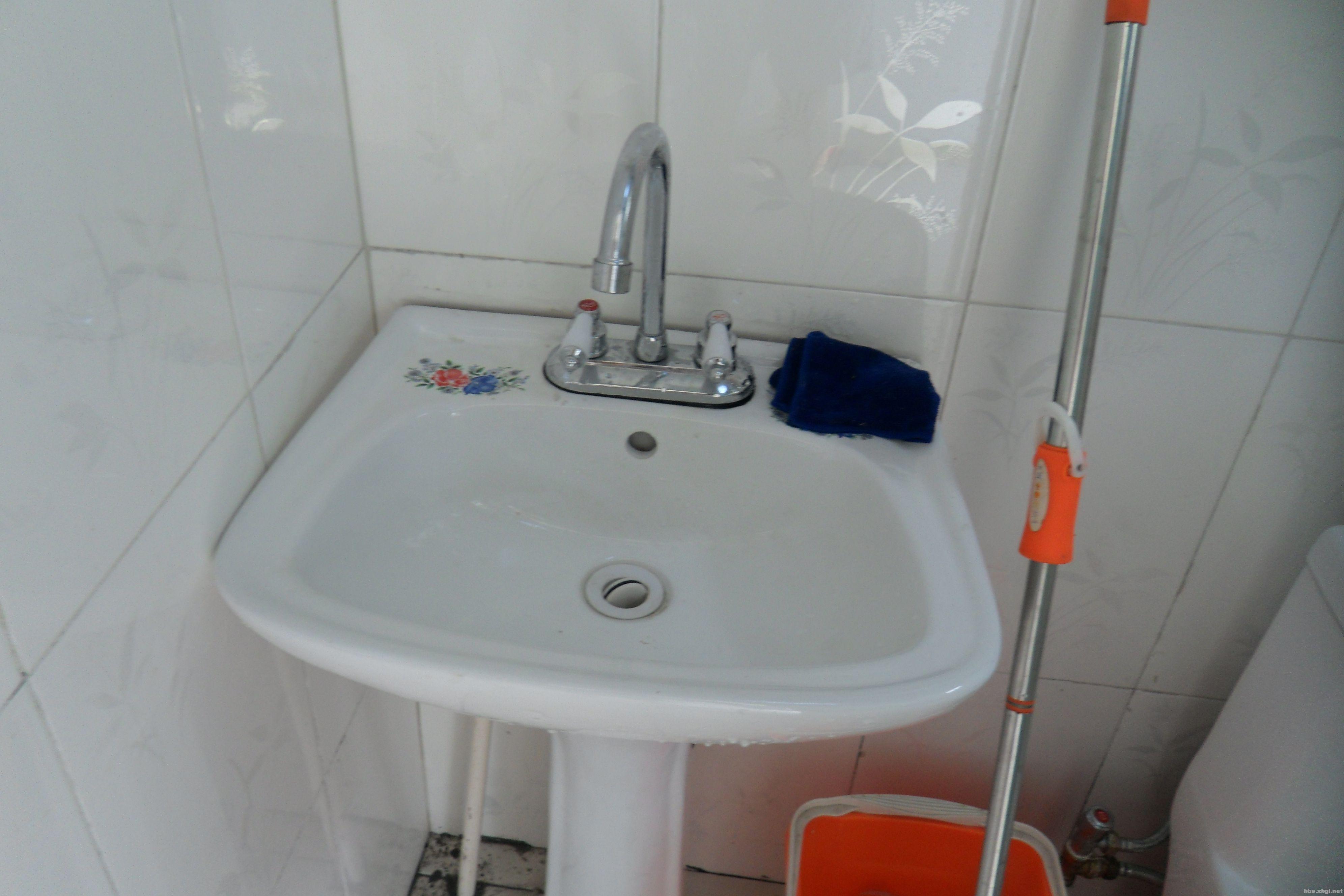 新的洗手盆.