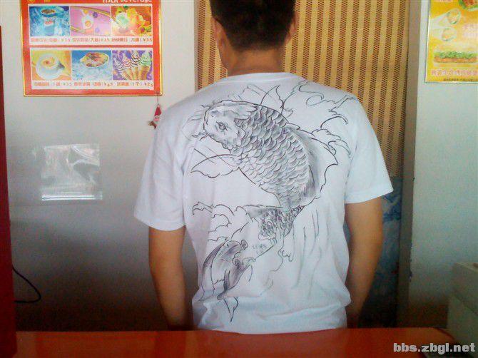 纹身图案画在衣服上 真的很不错啊