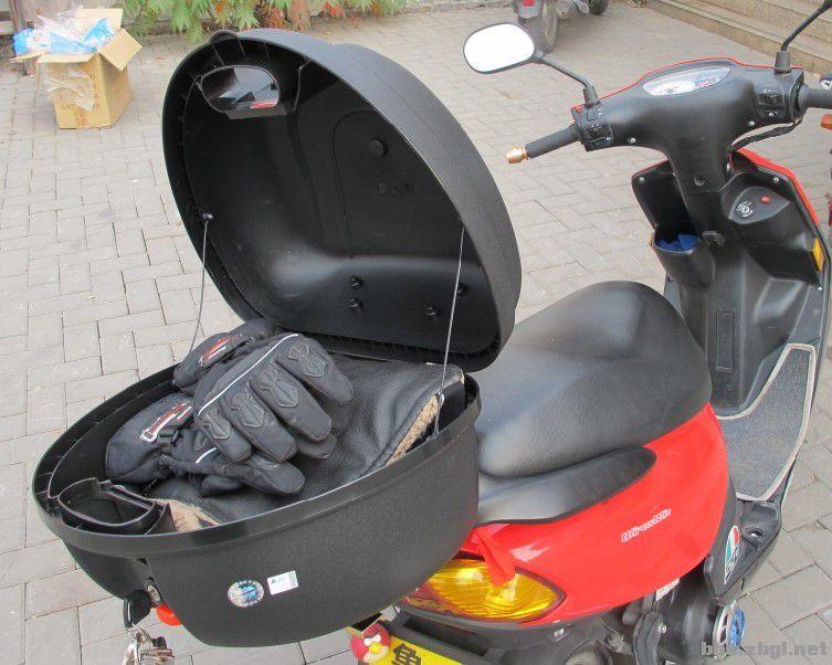 动力机车用品店棉护膝来了,品牌摩托车尾箱来了