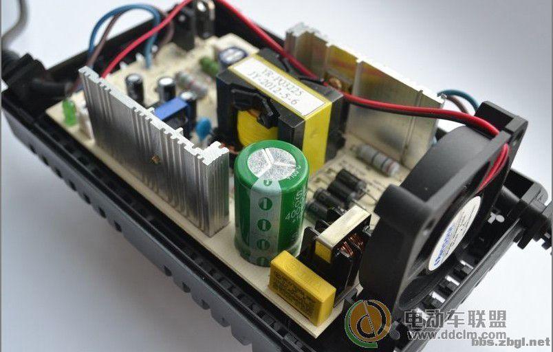 冲电动车充电器