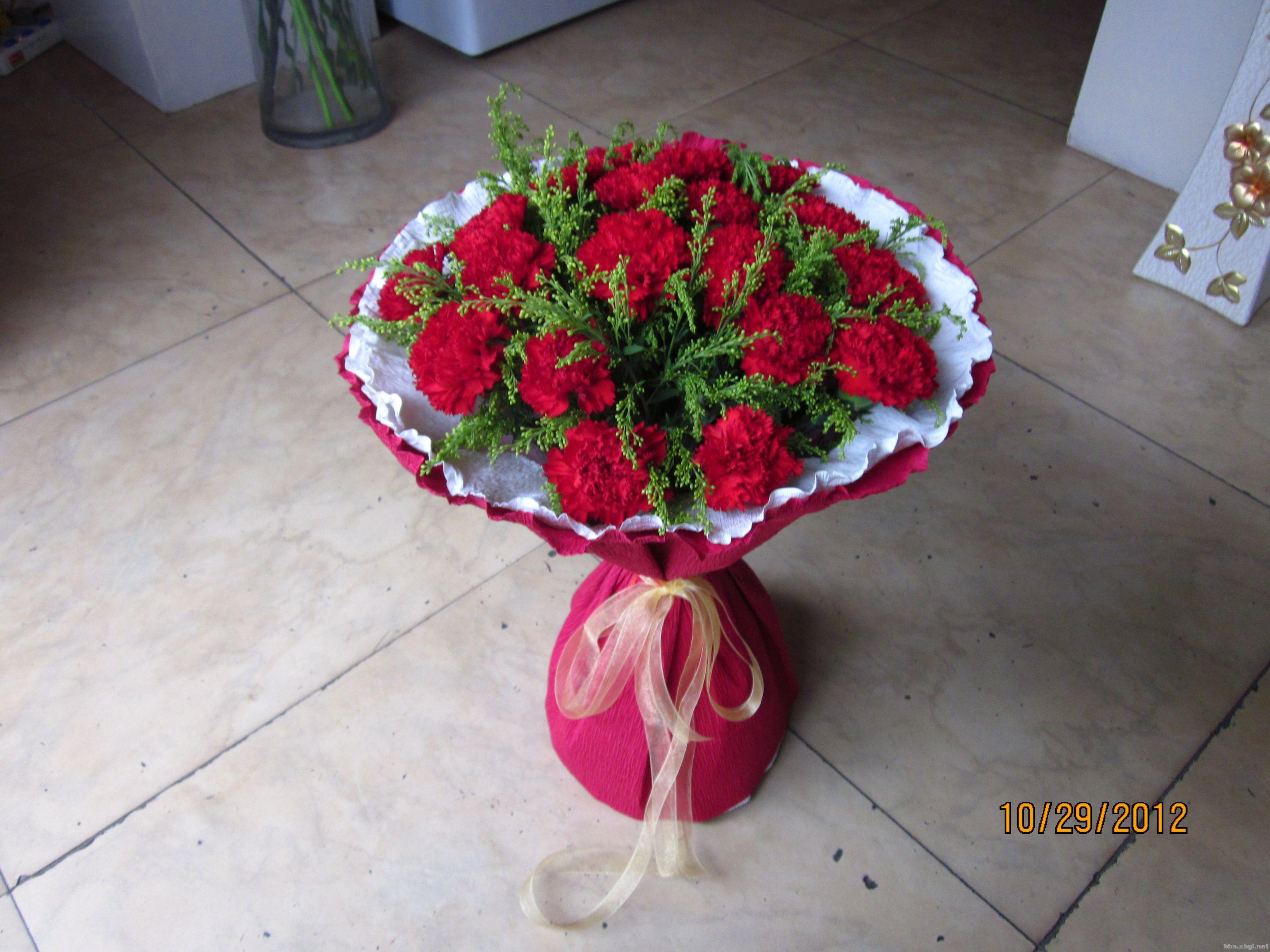 99枝康乃馨花束