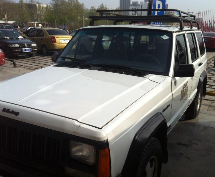 北京jeep213白色 带100大罐高清图片