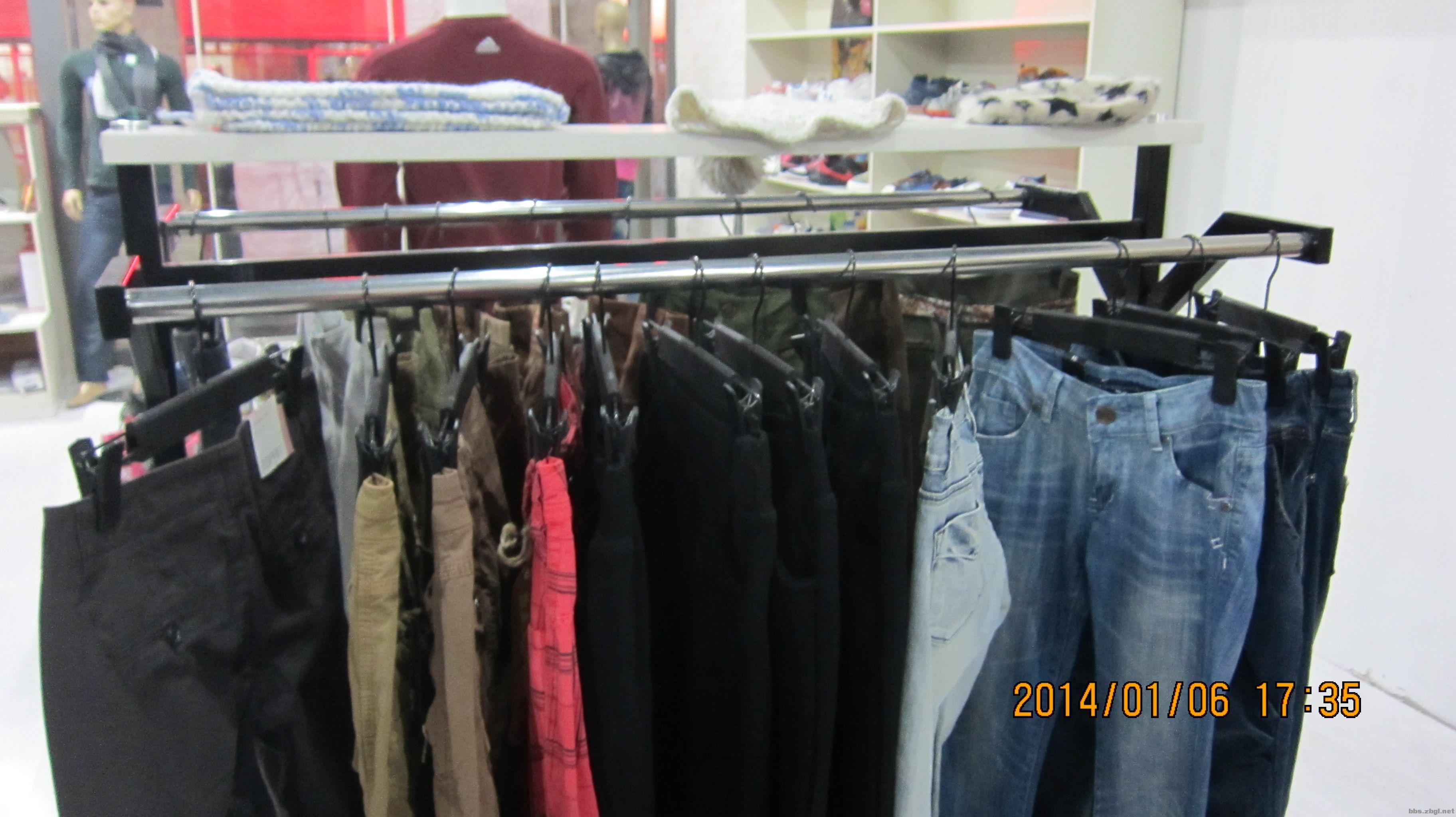 服装店不干了 处理各种模特