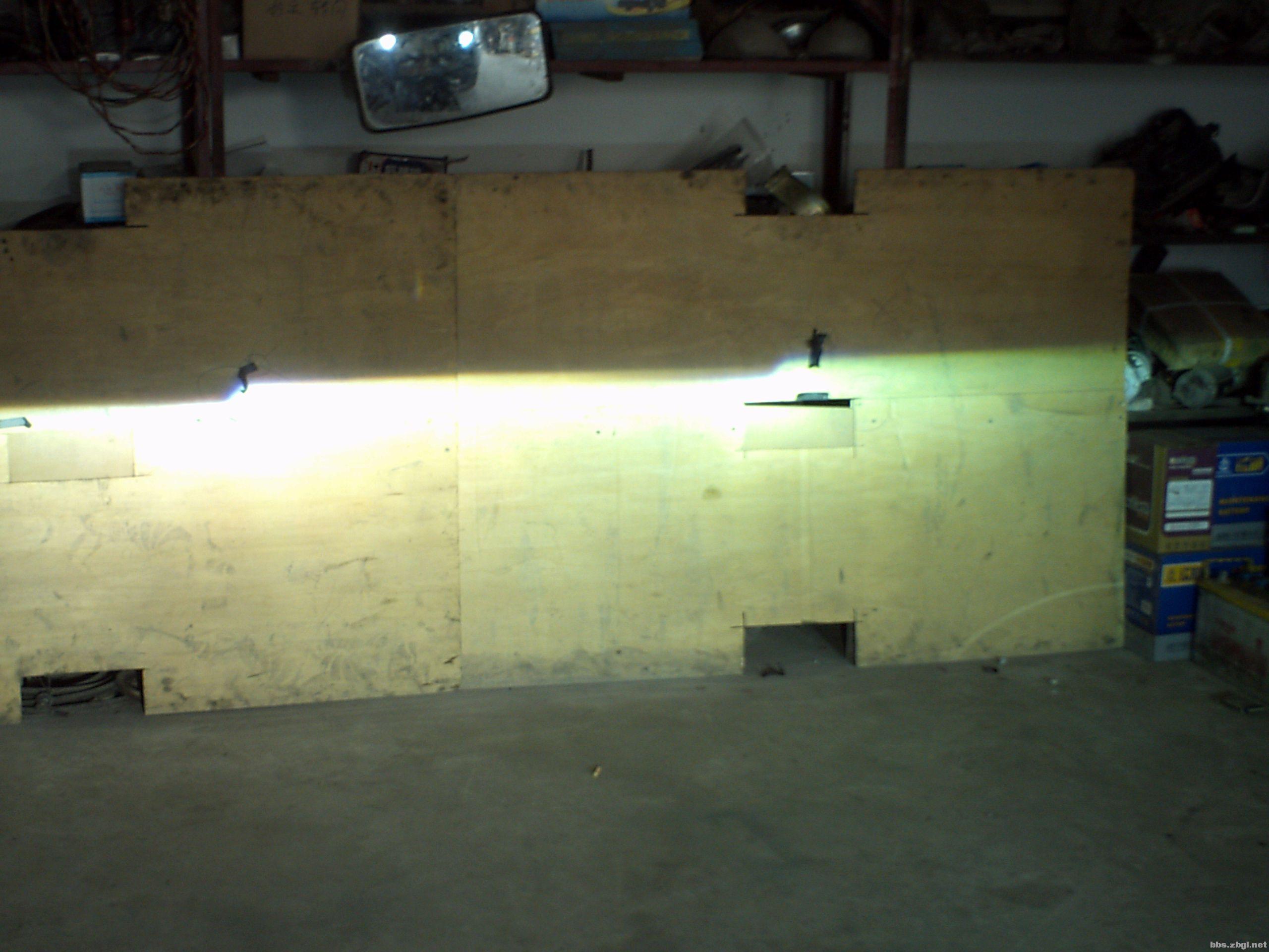 华泰圣达菲升级q5双光透镜 led恶魔眼 高清图片