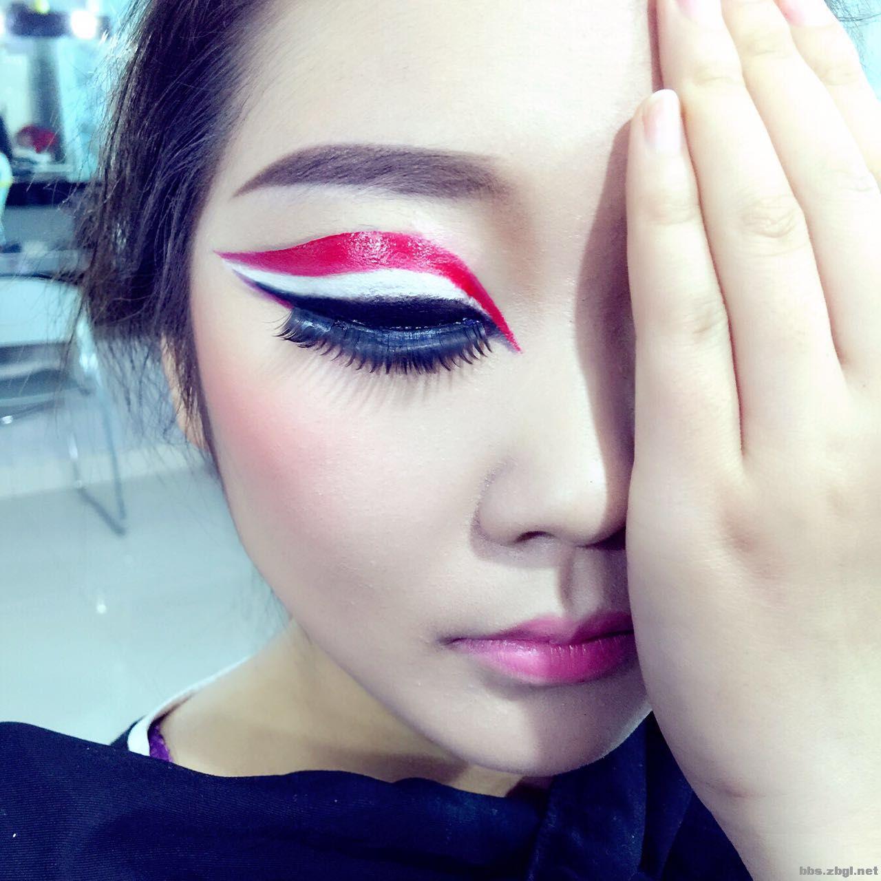 魅惑少女妆_王贵峰化妆学校今日~炫酷舞台妆
