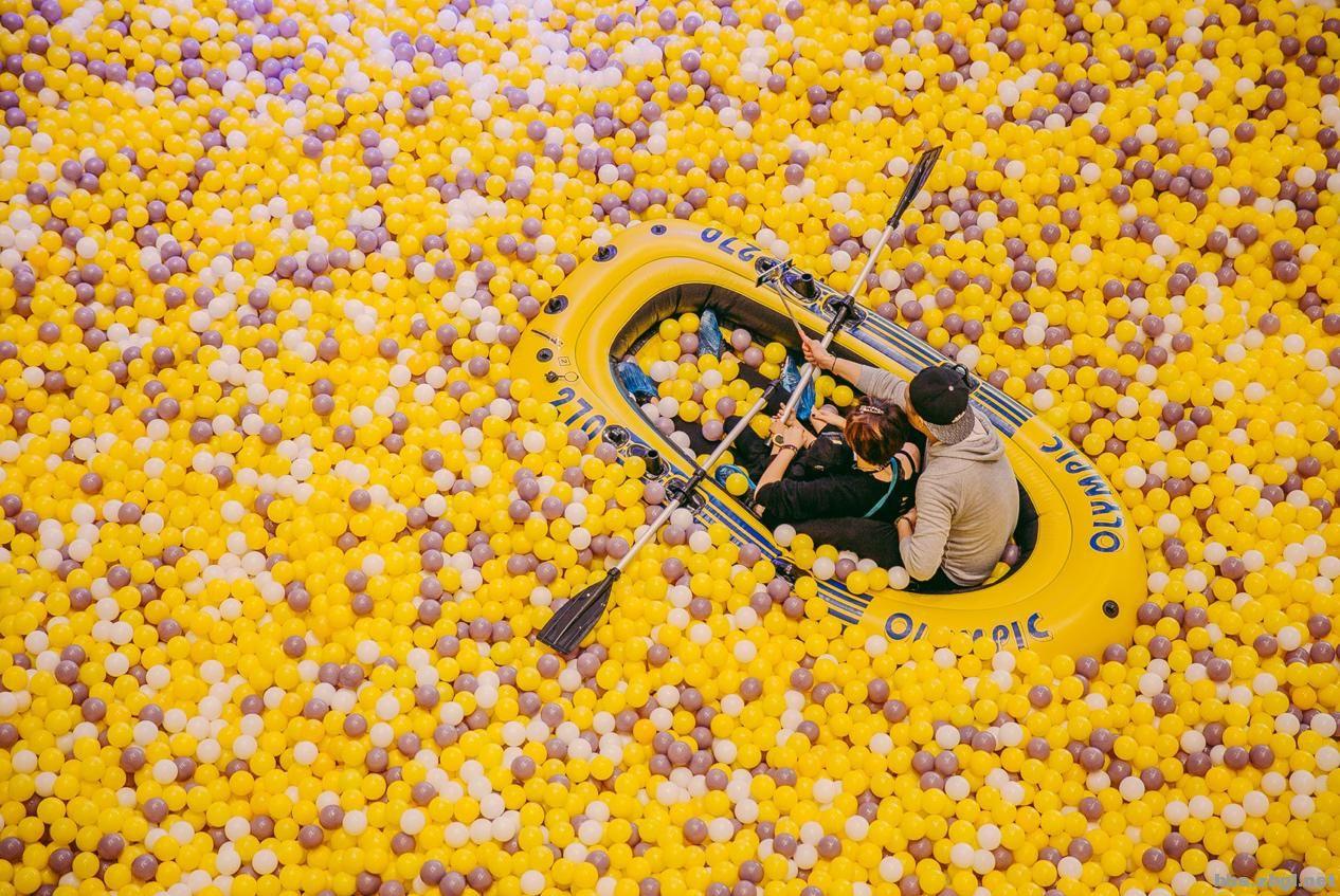 [i=s] 本帖最后由 旮旯自驾游 于 2016-6-12 12:00 AM 编辑 [/i] [color=DarkOrange][b][size=5]超巨大海洋球池经沈阳,成都,重庆现在复刻来到淄博啦! 10樽集装箱,2000000颗海洋球,叠起来等于192座迪拜塔的高度! 5月27日即将盛大开幕,海洋球皮划艇,海洋球喷泉瀑布, 还有巨型滑梯,不管你是客户答谢,家庭亲子团聚, 还是企业拓展,情侣甜蜜,闺蜜哥们party,都可以让你嗨BALL![/size][/b][/color] [b][size=5]
