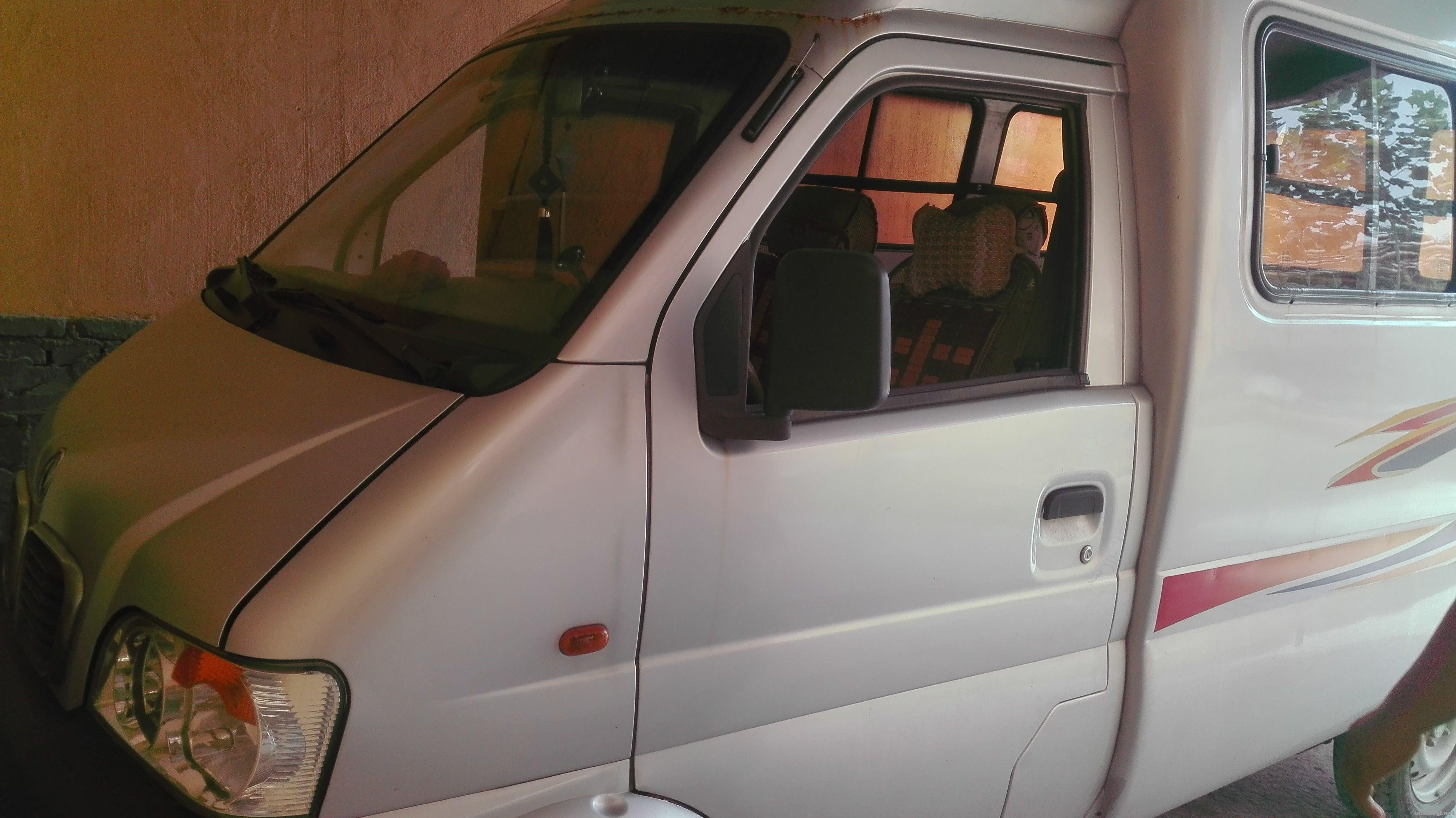 08年东风小康城市阳光厢式面包车图片