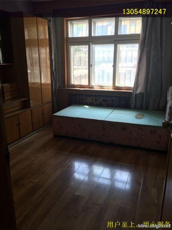 一楼带院三室一厅